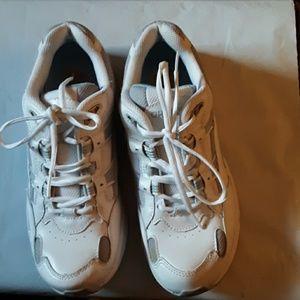 Orthaheel Walker Sneaker. 9.5